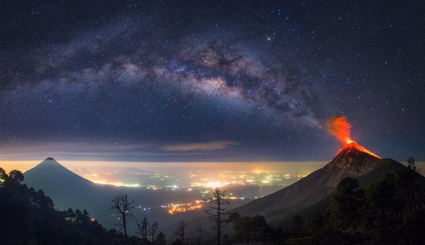 Volcano seems like its erupting into the Milky Way I Milky Way Volcano